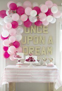 12 grandiosas decoraciones con globos que le darán mucha
